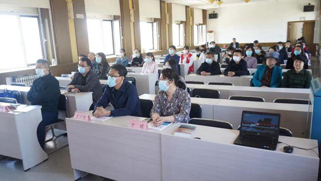 长海县举办《岛碑》《海上秘运》新书发布会