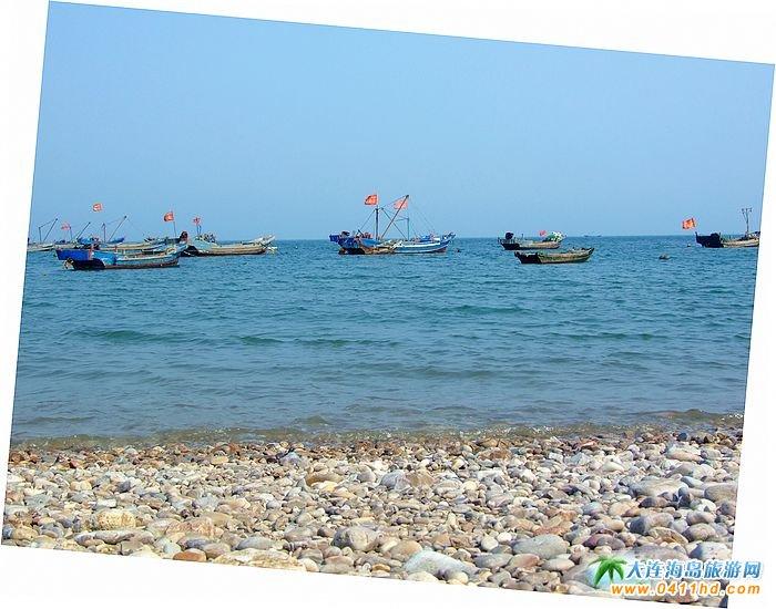 海王九岛图片-鹅卵石的海滩5