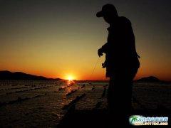 哈仙岛图片-余晖下的夜钓者
