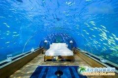 惊人的全玻璃海底餐厅