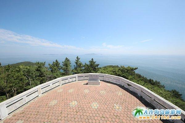 獐子岛海神娘娘与观景台的美景图